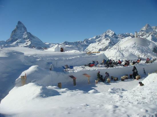 skiing-in-zermatt-switzerland_2
