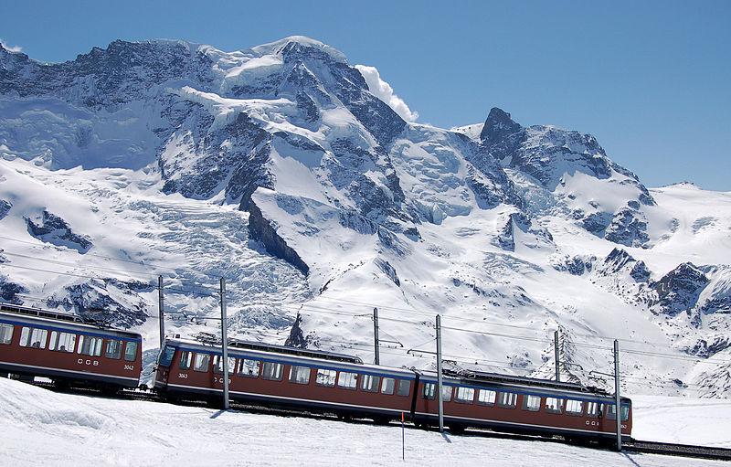800px-Gornergrad_zermatt_april07_34