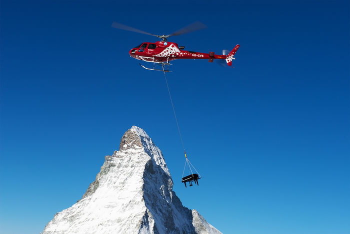Zermatt-Unplugged-Helikopter-Piano_front_magnific