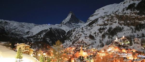 zermatt-village-winter-night-full-moon-matterhorn__20121018_11-46-39