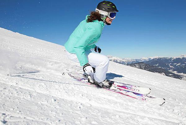 lady skiing